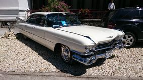 Cadillac Coupe DE Ville - Retro toont Auto van Roemenië in Sinaia Royalty-vrije Stock Fotografie