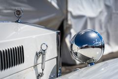 Cadillac Excalibur in der montjuic Geist Barcelona-Stromkreisautoshow lizenzfreie stockfotografie