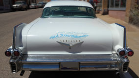 1958 Cadillac sedan DeVille: Tylni widok Zdjęcie Royalty Free