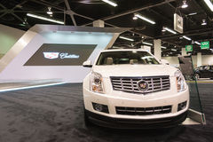2015 Cadillac SRX SUV op vertoning Stock Foto's