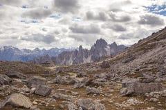 Cadini di Misurina范围在国家公园Tre Cime di Lavaredo 库存图片