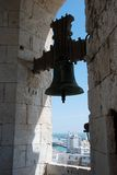Cadiz domkyrkaKlocka torn royaltyfri bild