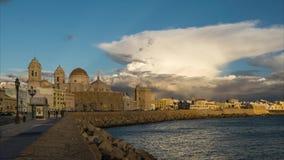 Cadiz linia horyzontu Pod cumulonimbusu Hiszpania time lapse i katedra zbiory
