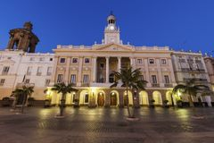 Cadiz stadshus på plazaen San Juan de Dios Royaltyfria Foton