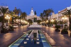 Cadiz stadshus på plazaen San Juan de Dios royaltyfria bilder