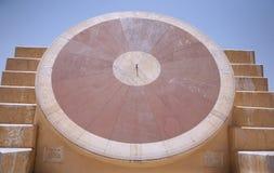 Cadran solaire géant photographie stock