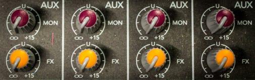 Cadrans auxiliaires audio professionnels de moniteur image libre de droits