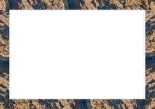 Cadre blanc avec Rocky Borders décoré Photographie stock libre de droits