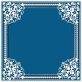 cadre carré de papier de coupe-circuit avec l'ornement de coin de dentelle Photo libre de droits