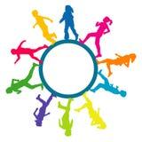 Cadre circulaire avec des silhouettes des enfants courants illustration libre de droits