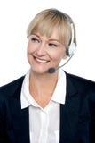 Cadre d'affaires mettant en application le produit par telecalling Image libre de droits