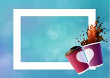 Cadre d'amour de café Rose et Violet Ripple Cups avec une éclaboussure de café Photos libres de droits