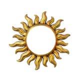 Cadre d'or de forme du soleil avec des rayons de soleil d'isolement sur le blanc Symbole en bois de calibre d'ornement de décor p photographie stock libre de droits