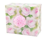 Cadre de cadeau avec des roses Photographie stock libre de droits