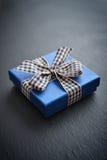 Cadre de cadeau bleu Photographie stock libre de droits