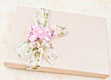 Cadre de cadeau de relation étroite Image stock