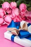 Cadre de cadeau romantique Image libre de droits
