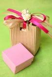 Cadre de cadeau rose Photos libres de droits