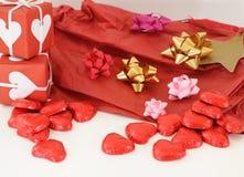 Cadre de cadeau rouge avec des bandes Images stock
