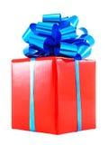 Cadre de cadeau rouge avec la proue bleue photographie stock libre de droits