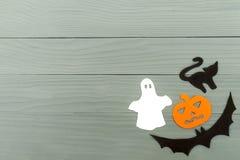 Cadre de coin inférieur droit des silhouettes de papier de Halloween Photographie stock libre de droits