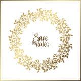 Cadre de corde de feuille d'or sur un fond noir avec un endroit pour votre texte Guirlande naturelle de cercle pour des cartes d' Photographie stock libre de droits