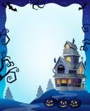 Cadre de Halloween avec la maison hantée 2 Image stock