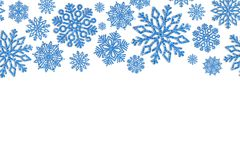 Cadre de Noël avec les flocons de neige bleus Frontière des confettis de paillette Photographie stock