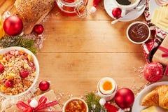 Cadre de nourriture de petit déjeuner de Noël avec l'espace de copie image libre de droits