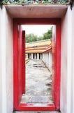 Cadre de porte d'antique chez Wat Pho Bangkok, Thaïlande Image libre de droits