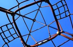 Cadre de s'élever sur un terrain de jeu Photo libre de droits