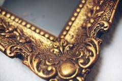 Cadre de tableau d'or d'Antik Photos stock