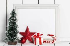 Cadre de tableau et décor de Noël photographie stock libre de droits