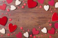 Cadre de vacances des coeurs mélangés pour le jour de valentines Vue supérieure Beau fond avec le symbole de l'amour L'espace pou Photographie stock libre de droits