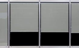 Cadre de verre de fenêtre et abat-jour de fenêtre de plastique Photos libres de droits