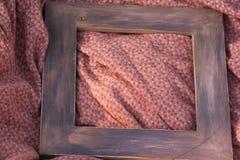 Cadre en bois peint sur la matière Images libres de droits