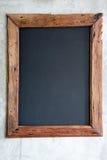 Cadre en bois sur le mur grunge Photo libre de droits