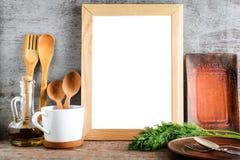 Cadre en bois vide avec le C.A. blanc d'isolement de fond et de cuisine Photos libres de droits
