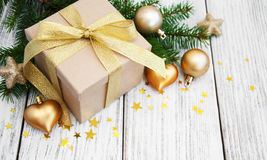 Cadre et billes de cadeau de Noël Photo stock