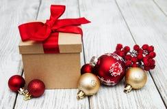 Cadre et billes de cadeau de Noël Image libre de droits