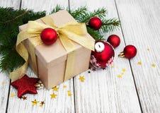 Cadre et billes de cadeau de Noël Photographie stock