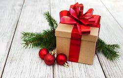 Cadre et billes de cadeau de Noël Images stock