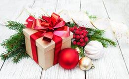 Cadre et billes de cadeau de Noël Photo libre de droits