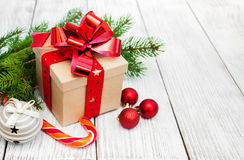 Cadre et billes de cadeau de Noël Photos libres de droits