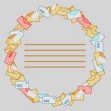 Cadre rond des enveloppes de courrier Photographie stock