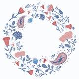 Cadre rond tiré par la main avec les fleurs et les feuilles mignonnes Image libre de droits