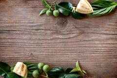 Cadre thaïlandais de légumes sur le fond en bois de table Image libre de droits