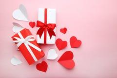 Cadres de cadeau avec des coeurs Photographie stock libre de droits