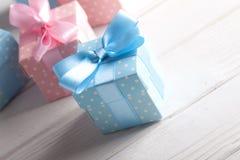 Cadres de cadeau colorés Photos libres de droits