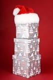 Cadres de cadeau de Noël et chapeau de Santa Photo libre de droits